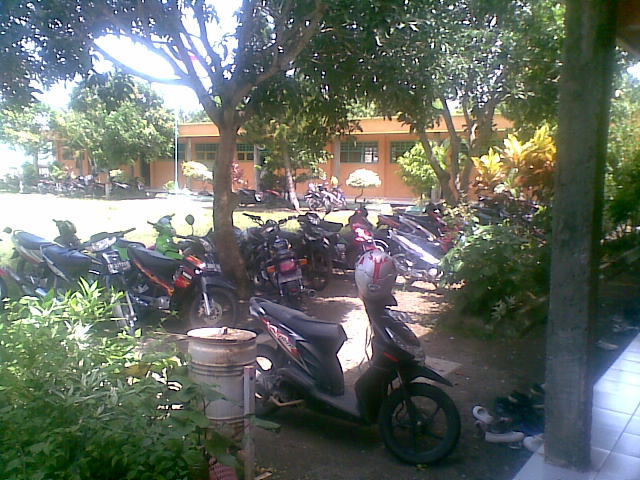 Parkir yang rapi hehehe !!!